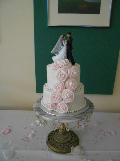 1421084739395 1028209 Oneida wedding cake