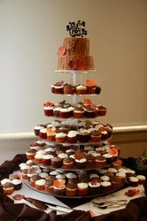 1421084758914 8458039 Oneida wedding cake