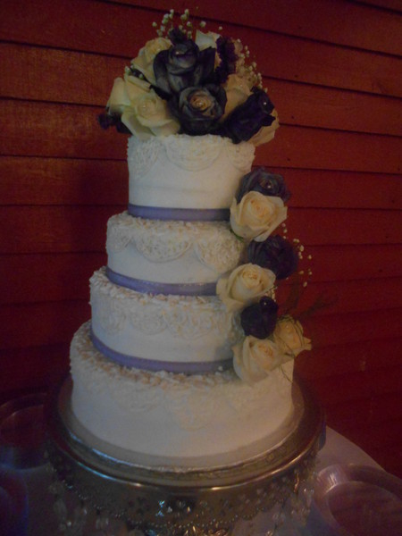 1421587364980 Wedding Cake 025 Oneida wedding cake