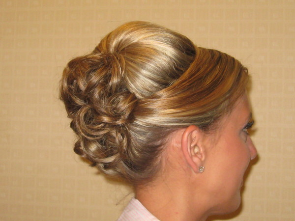 photo 1 of Bridal hair Design on Location