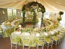 220x220 1420980420941 wedding circle table