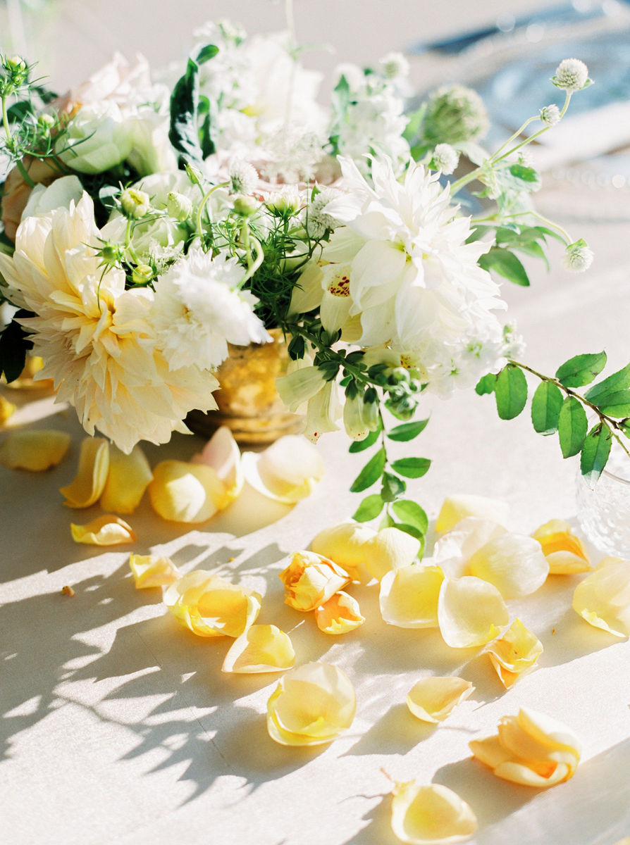 greenlion design flowers newport ri weddingwire. Black Bedroom Furniture Sets. Home Design Ideas