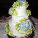 130x130_sq_1315314034713-weddingsblackboxwinecake020