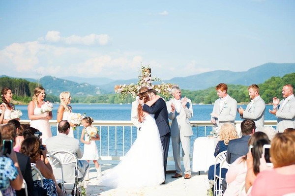 Lake chatuge wedding