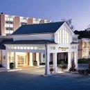 130x130 sq 1299617986383 hotelfrontnight14