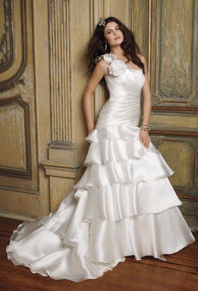 Group usa wedding dresses franklin mills mall flower for Usa group wedding dresses