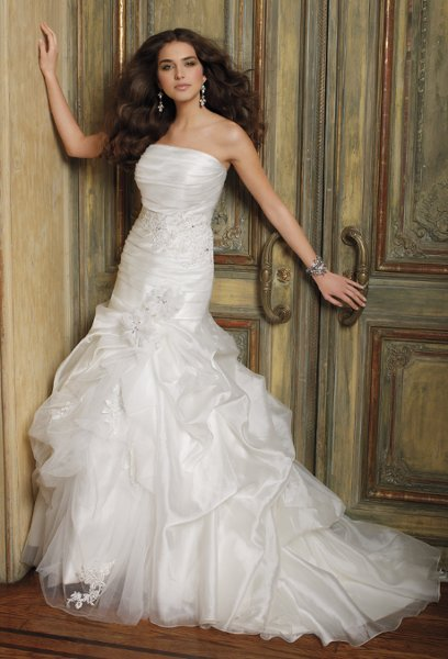 Group usa wedding dresses secaucus nj for Wedding dresses in the usa