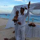 130x130 sq 1317414544757 realresortsfamsept2011theroyalcancunwedding014