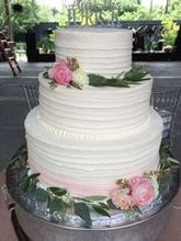 220x220 1466804757 58133dec8981d4e9 wedding cake
