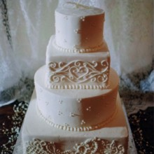 220x220 sq 1466805023633 daviana ladsons wedding cake   aug 3 2013 001