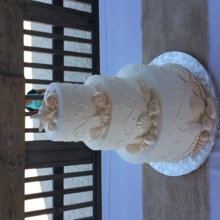 220x220 sq 1466805987605 wedding cake 20150502165212