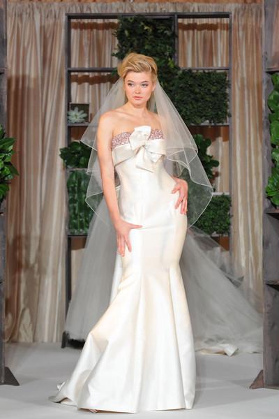 Luly yang seattle wa wedding dress for Wedding dresses seattle washington