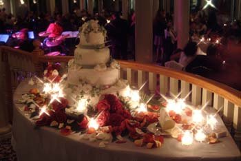 600x600 1364392186761 berkshireweddingcakenight