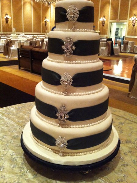 jay qualls cakes nashville tn wedding cake. Black Bedroom Furniture Sets. Home Design Ideas