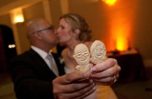 220x220 1305665077410 carcookiesweddingcouple