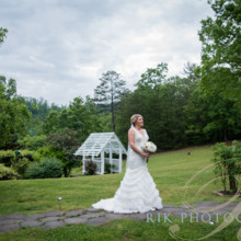 220x220 sq 1495052568299 gatlinburgweddingphotographer 2