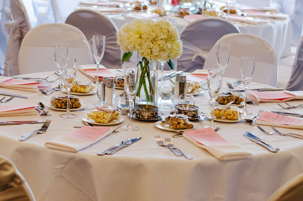 1427480035925 Kahns Catering Tabletop 448 Peterjonathonimages Indianapolis wedding venue