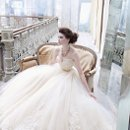 <b>Style:LZ3251</b> <br /> Buttercup tulle ball gown, sweetheart neckline, sheer corseted Alencon lace bodice, gold silk ribbon at natural waist, circular box pleated tulle skirt accented with Alencon lace applique, chapel train