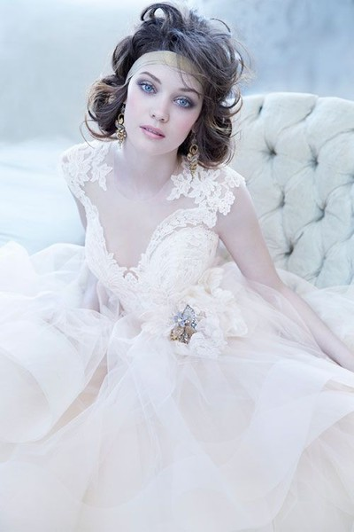 Style LZ3364 Champagne sparkle tulle bridal ball gown, alencon lace bodice with sweetheart neckline, horsehair belt with Maria Elena crystal brooch at natural waist, circular tulle skirt with cascading horsehair hem, chapel train