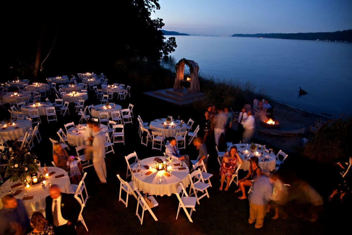 The edgewater house venue olalla wa weddingwire for The edge water