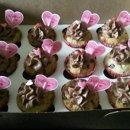 130x130 sq 1299478836742 valentinescupcakes