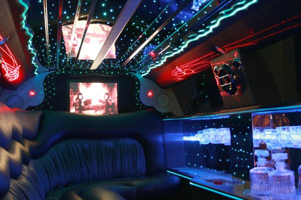 photo 2 of Bella Tours Limousine