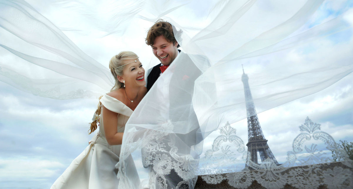 La v image photography montreal qc weddingwire for Wedding dress rental manhattan