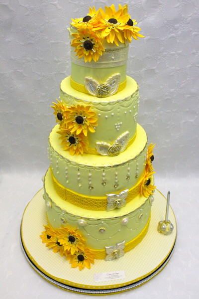 wedding cakes in calgary cakes in vogue calgary ab wedding cake 24591