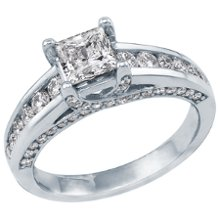 <b>1 1/2ct TW Diamond Engagement Ring, IGI Graded</b> <br /> 14kt White Gold 1 1/2ct TW Princess Cut &amp; Round Diamond Engagement Ring, IGI Graded Helzberg Radiant Star®