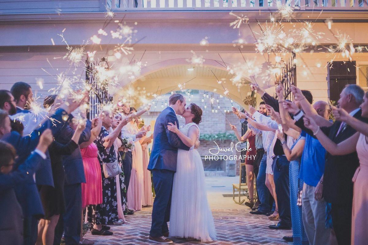 The laurels home of k k designs venue beaumont tx for Wedding dresses beaumont tx