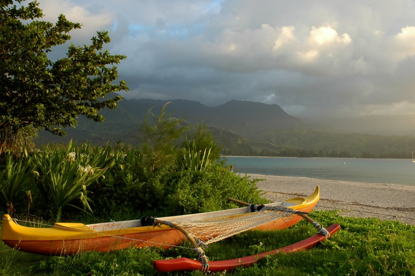 favorite things to do in hawaii honeymoons by weddingwire
