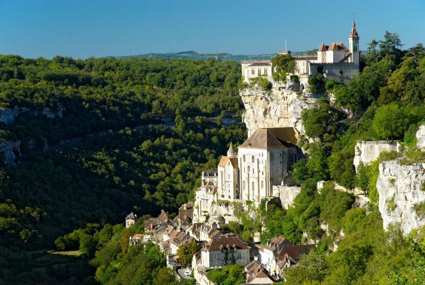 Top places to explore in france honeymoons by weddingwire for Great places to go for honeymoon