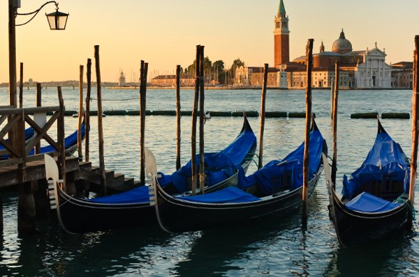 Best things to do in italy honeymoons by weddingwire travel best things to do in italy sciox Gallery
