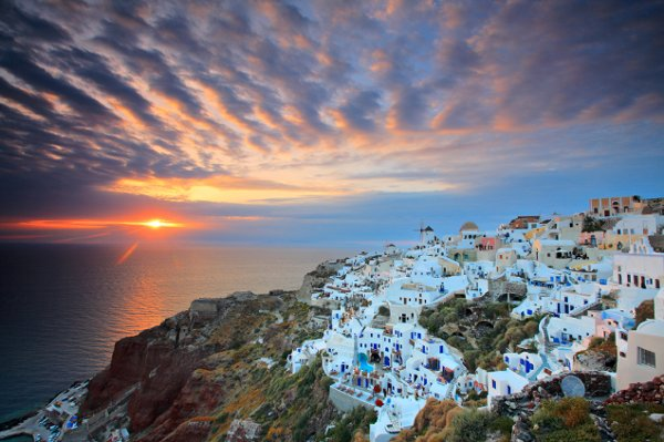 Most Romantic Places In Greece Honeymoons By Weddingwire Travel Image 3 Of 5