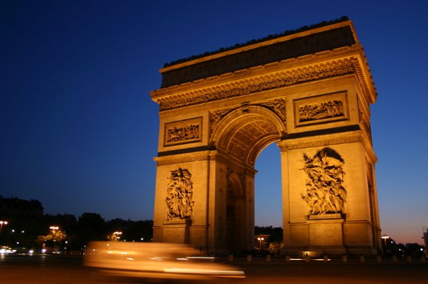 Top 5 Attractions In France Honeymoons By Weddingwire