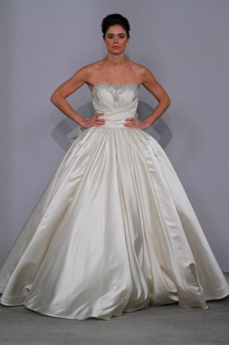 Wedding dress photos wedding dresses pictures weddingwire for Pnina tornai wedding dress cost