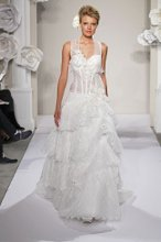 PNINA TORNAI Sweetheart A-line Gown in Chantilly Lace
