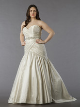 Dina Davos for Kleinfeld Style KW108  Off White, sweetheart fit and flare