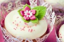 220x220 1302797664254 flowercupcake