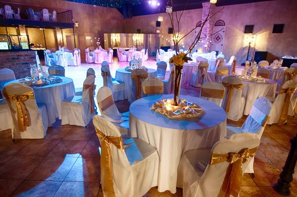 Fleur de lis event center reviews new orleans baton for Wedding dress rental baton rouge