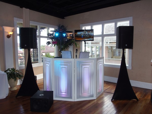 1485136481486 White Room Setup Saint Augustine wedding dj