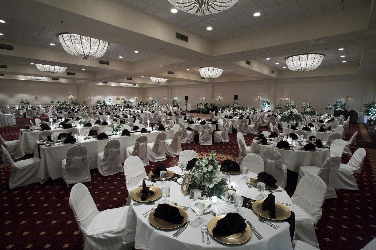 Cincinnati wedding venues reviews for 180 venues millennium hotel cincinnati junglespirit Image collections