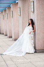 220x220 1466262647 9bffeff6c41a851d 1444272454827 four seasons wedding 12