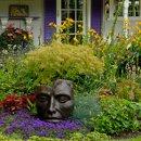 130x130_sq_1309715752502-gardenwithface