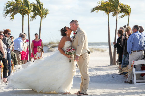 1523475536 30ca3ec917179ab3 1523475535 F2221b705cfb6120 1523475527021 2 Avstatmedia  The G Tampa wedding photography