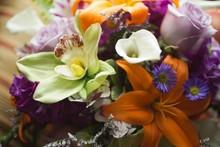 220x220_1401716350440-carries-bouquet-up-clos
