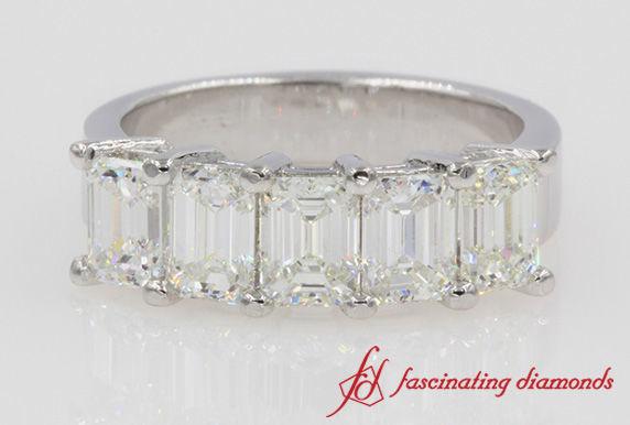 1525846973 A47eebea27479335 1525846973 B4c42c0434d0a940 1525846971489 3 Emerald Cut 5 Ston New York wedding jewelry