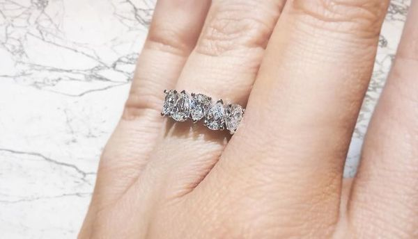 1525847006 D81a73db60f2d030 1525847005 6c58705a8781b7ae 1525847004200 4 29510952 101564379 New York wedding jewelry