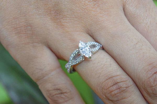 1525847985 695b1843520761bb 1525847982 23f24d9901768f78 1525847976276 1  DSC1930 1 New York wedding jewelry
