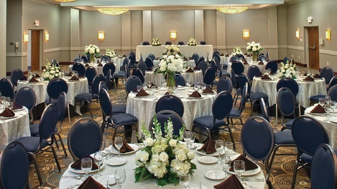 Doubletree by hilton memphis east venue memphis tn for Wedding dress rental memphis tn